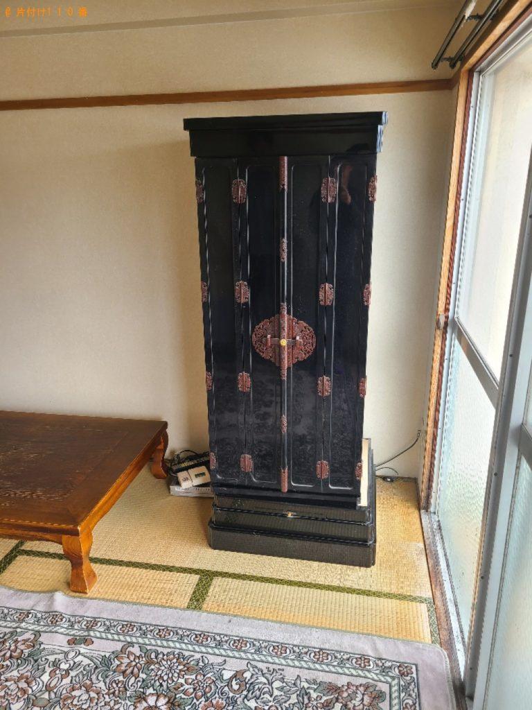 仏壇、カラーボックス、PCデスク、椅子等の回収